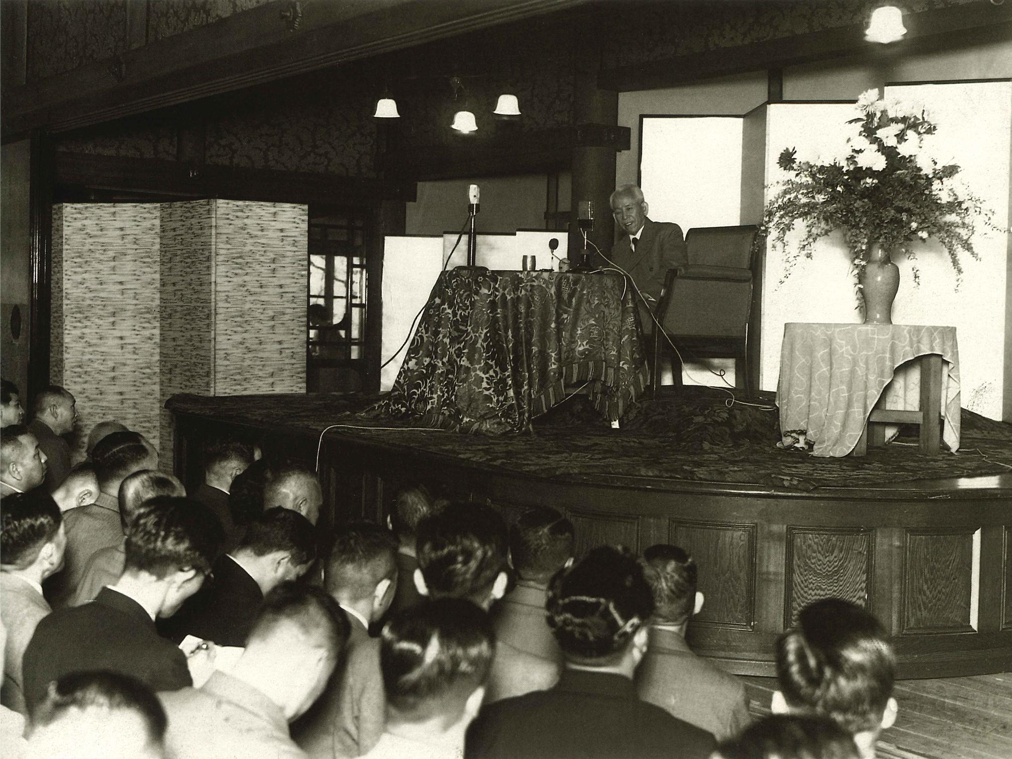 最後の巡教となった関西での講演(奈良昭和29年4月12日)
