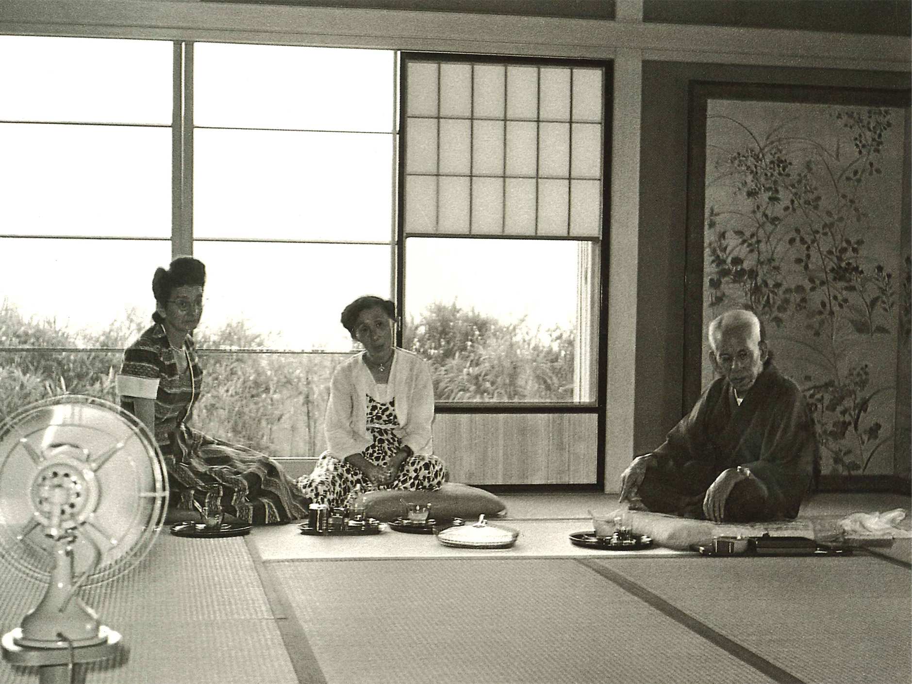 左端はマドレーヌダヴィッド女史(パリセルニスキー博物副館長)(昭和27年8月22日)